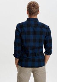 Only & Sons - ONSGUDMUND CHECKED - Skjorta - dark blue, anthracite - 2