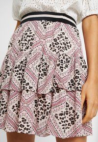 Vero Moda - VMAMSTERDAM LAYER SHORT SKIRT - Pleated skirt - misty rose - 4