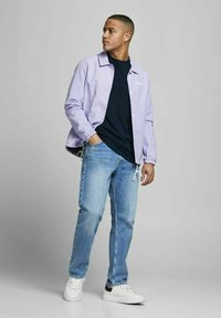 Jack & Jones - JORBRINK TEE CREW NECK - Basic T-shirt - navy blazer - 1
