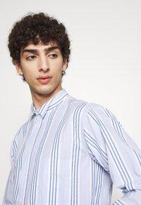 Henrik Vibskov - TAPE SHIRT - Shirt - light blue/white - 3
