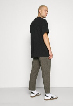 FABRIC PANTS - Trousers - green