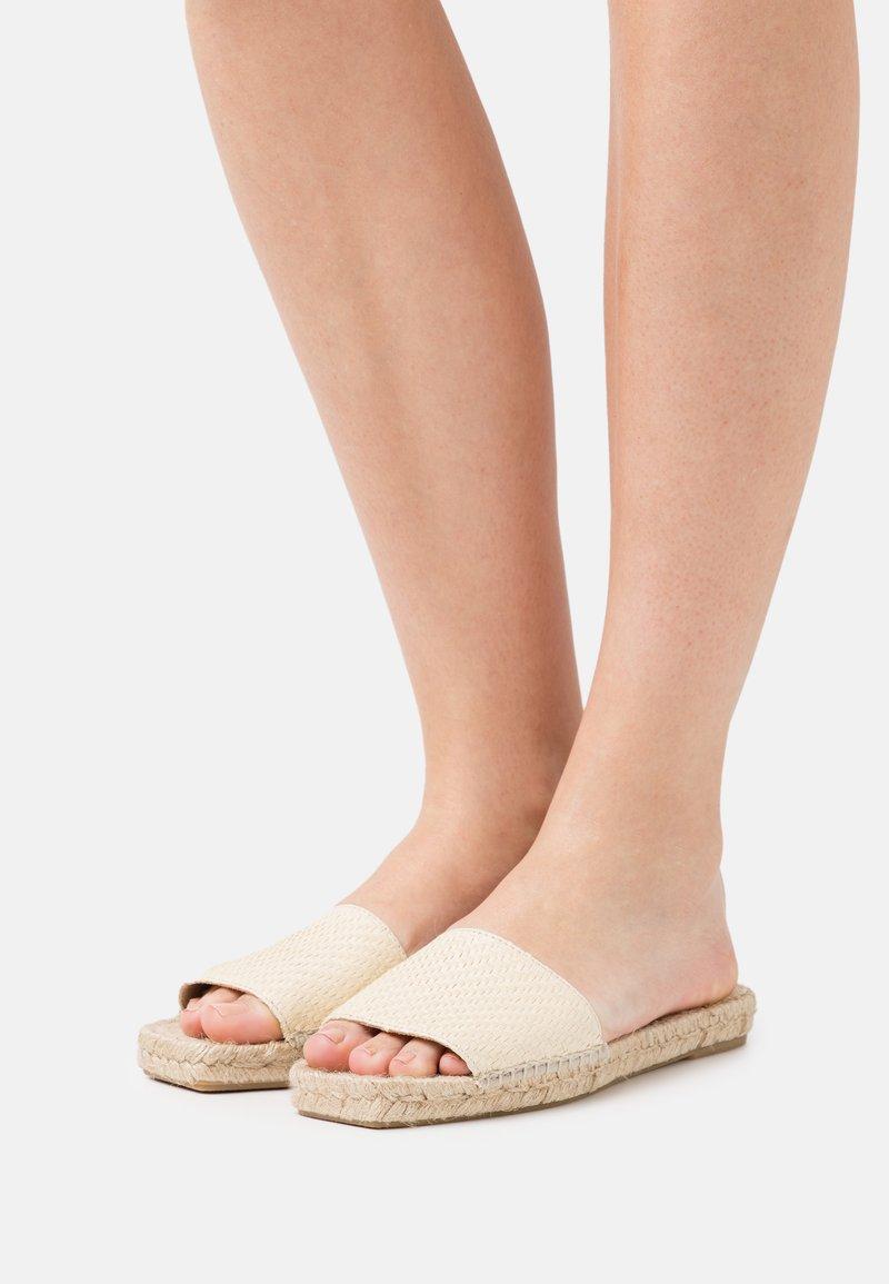 JUTELAUNE - VEGAN  - Pantofle - sand