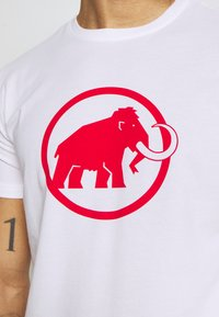 Mammut - LOGO MEN - T-shirt med print - bright white - 6
