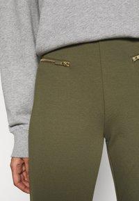 Even&Odd - ZIP PUNTO LEGGINGS - Leggings - Trousers - dark green - 4
