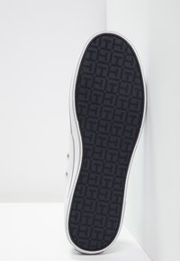 Tommy Hilfiger - ICONIC - Slip-ons - white - 4