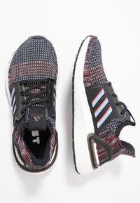 adidas Performance - ULTRABOOST 19 - Hardloopschoenen neutraal - core black/glow blue - 0