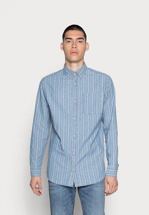 JJCLASSIC MIX - Overhemd - medium blue denim