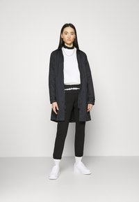 Nike Sportswear - Trenchcoat - black/iron grey - 1