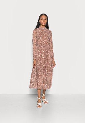 PRINTED DRESS - Day dress - amber brown