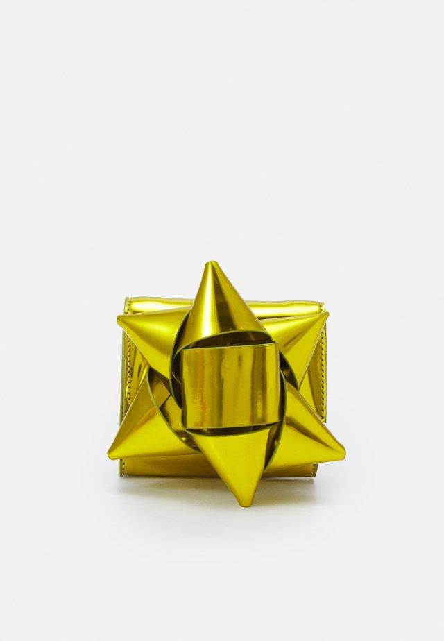 PORTAFOGLIO - Portefeuille - metallic yellow