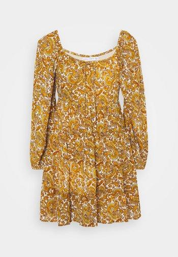 INDIRA DRESS - Denní šaty - la medina