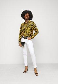 Versace Jeans Couture - LADY SHIRT - Košile - black - 1