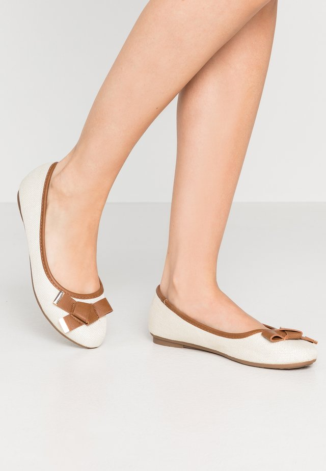 BRUNCHIE - Ballet pumps - beige
