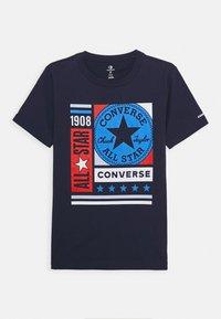 Converse - MIXED BOXES TEE - Print T-shirt - obsidian - 0