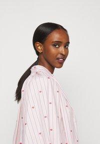Victoria Victoria Beckham - LIPS PRAIRIE DRESS - Day dress - pink - 4
