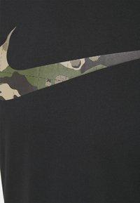 Nike Performance - TEE CAMO FILL - Printtipaita - black - 2