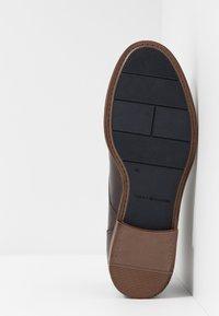 Tommy Hilfiger - DRESS CASUAL TOECAP - Business-Schnürer - brown - 4