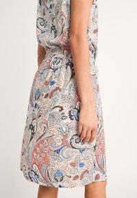 comma - Day dress - make up paisley - 6