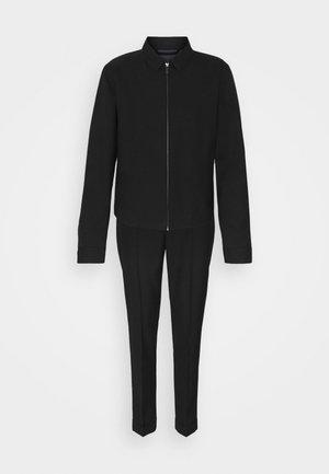 HARRINGTON JACKET AND DRAWCORD TROUSERS SET - Kalhoty - black