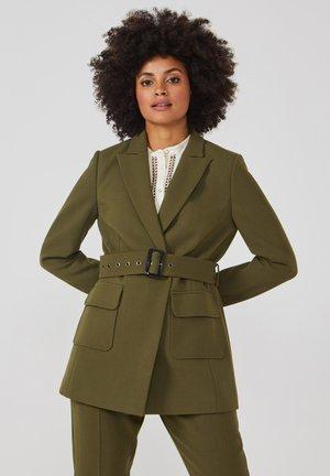 LARISE WO 577 - Short coat - dark olive