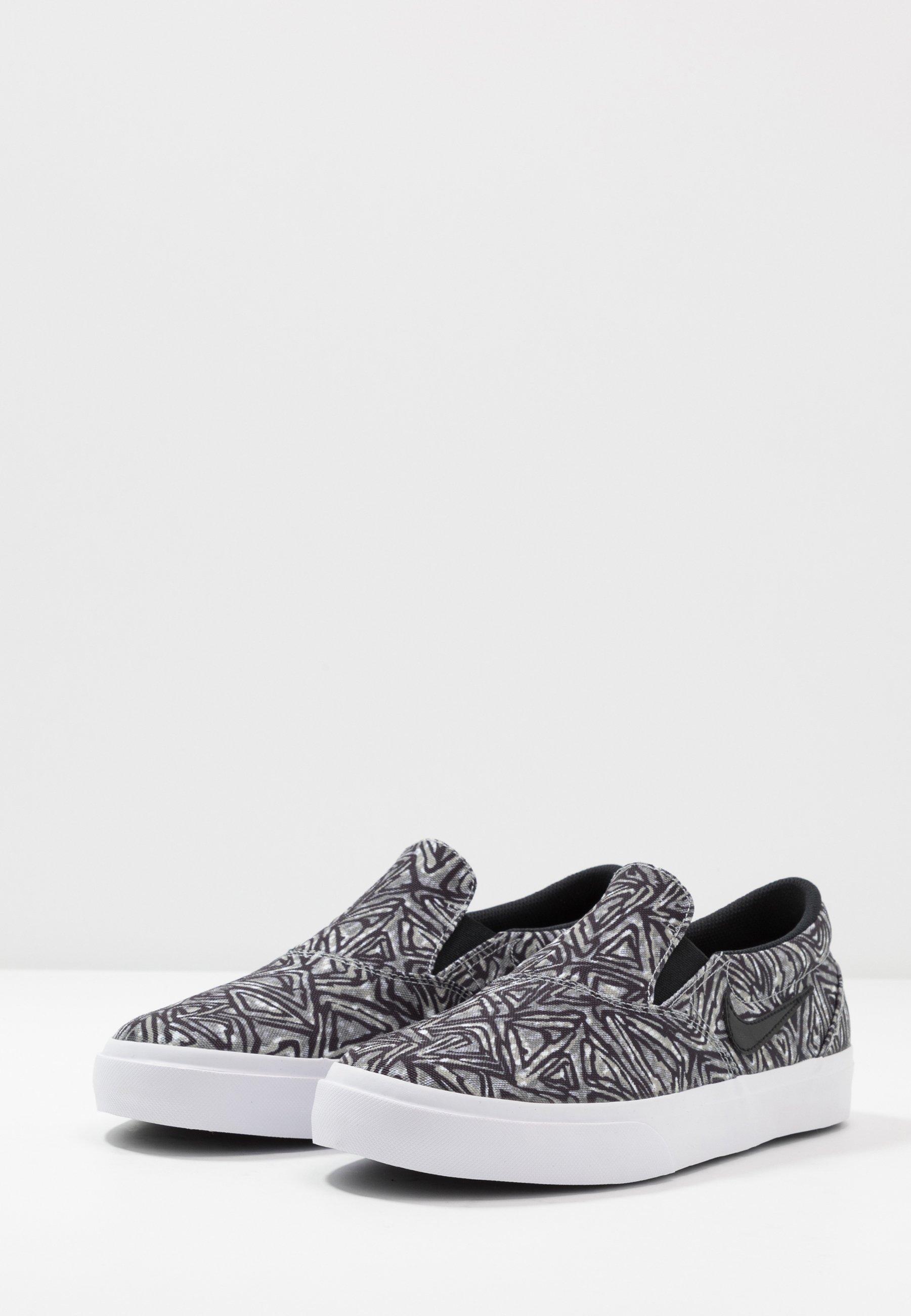 Prezzo incredibile Scarpe da uomo Nike SB CHARGE PRM Scarpe senza lacci particle grey/black/white