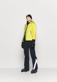 Superdry - ALPINE PADDED MID LAYER - Skijakker - blazing yellow - 1