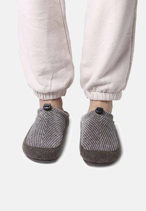 NADIR HR - Slippers - taupe