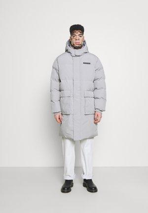 MIRROR LONGLINE PUFFER JACKET - Winter coat - light grey
