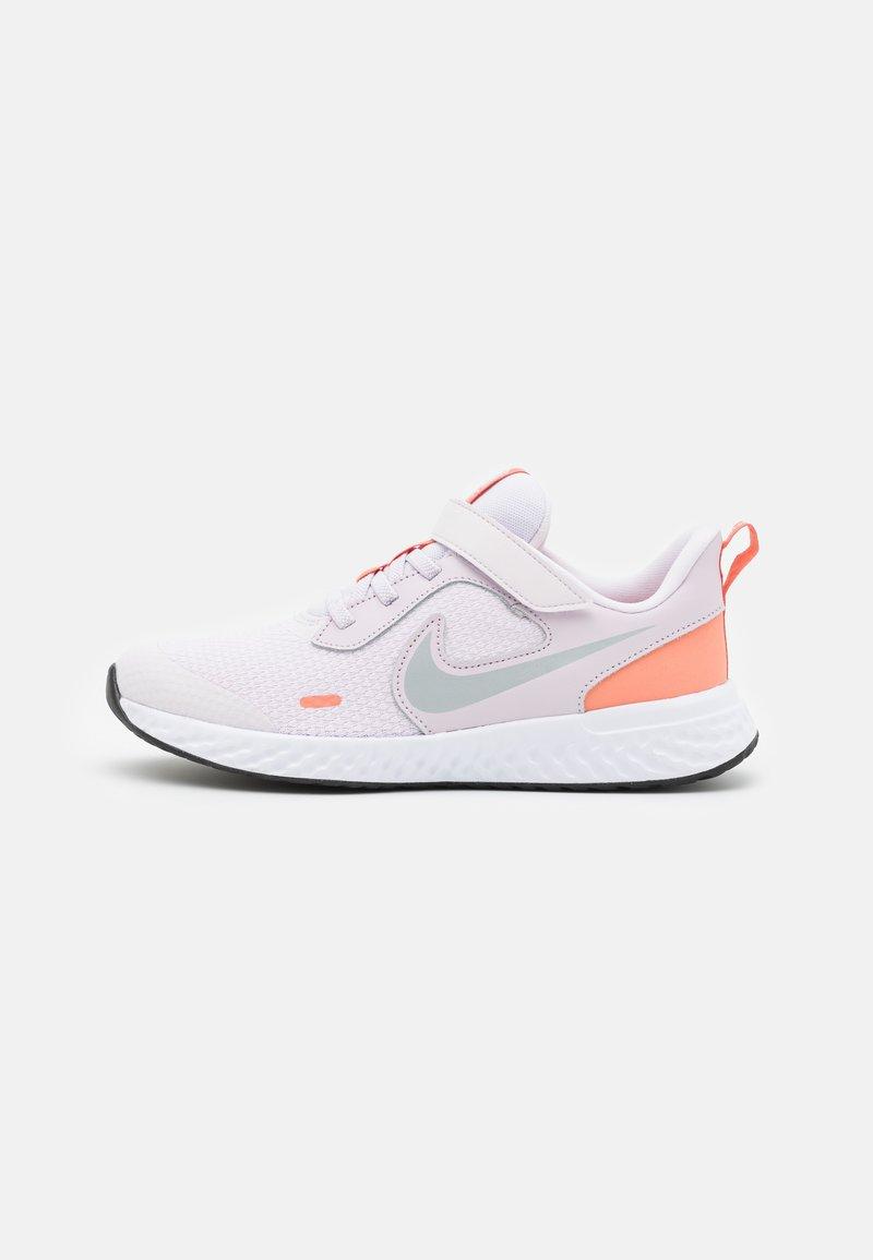 Nike Performance - REVOLUTION 5 UNISEX - Neutral running shoes - light violet/metallic platinum/crimson bliss/white