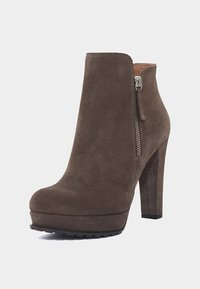 PoiLei - ZOE - High heeled ankle boots - taupe - 1