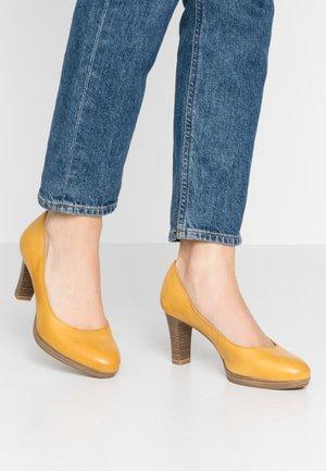 Platform heels - sun