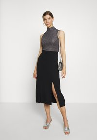 Even&Odd - Midi high slit high waisted skirt - Blyantskjørt - black - 1