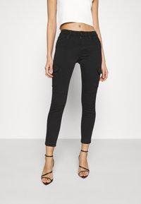 ONLY - ONLMISSOURI LIFE CARGO - Jeans Skinny Fit - black denim - 0