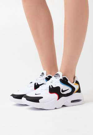 AIR MAX 2X - Sneakersy niskie - white/black/university red/university gold/university blue