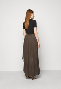 Patrizia Pepe - GONNA SKIRT - Maxi skirt - brown - 2