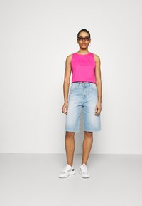 Calvin Klein Jeans - TONAL MONOGRAM TANK - Top - party pink - 1