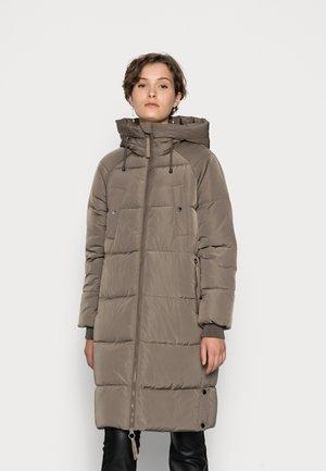 VMAURA LONG PADDED JACKET  - Winter coat - brown
