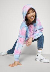 Ellesse - ANISHA - Sweatshirt - multicolor - 4