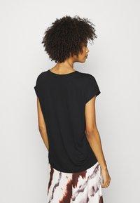 Opus - SEOMI - T-shirts med print - black - 2