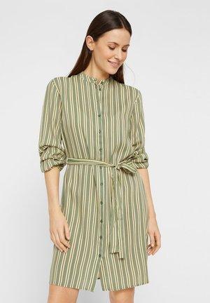 Vestido camisero - verdant green