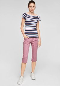 Q/S designed by - Print T-shirt - pink stripes - 1