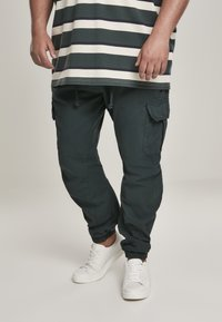 Urban Classics - Pantaloni cargo - bottlegreen - 0