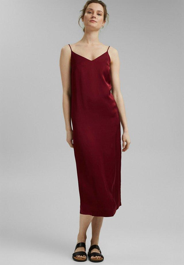 Korte jurk - bordeaux red