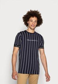 Kings Will Dream - CLIFTON - Print T-shirt - navy/white - 0