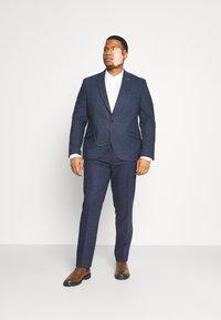 Shelby & Sons - UPTOWN SUIT PLUS SET - Suit - navy - 0