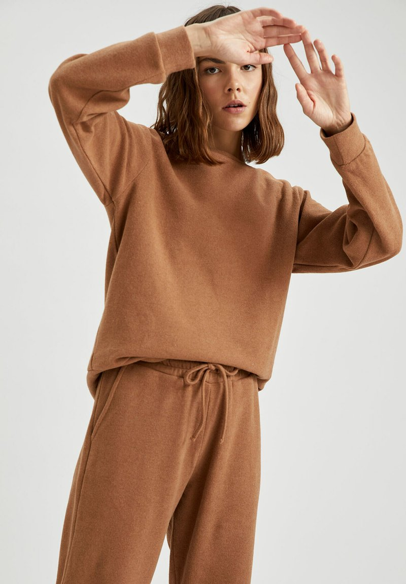 DeFacto - Jumper - brown