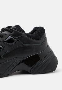 Pinko - RUBINO  - Sneakersy niskie - nero - 4