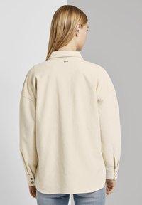 TOM TAILOR DENIM - Button-down blouse - soft creme beige - 2