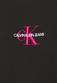 Calvin Klein Jeans - MONOGRAM LOGO CREW NECK - Mikina - black/party pink - 7