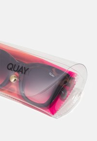 QUAY AUSTRALIA - AFTER HOURS - Occhiali da sole - tort to black/black fade
